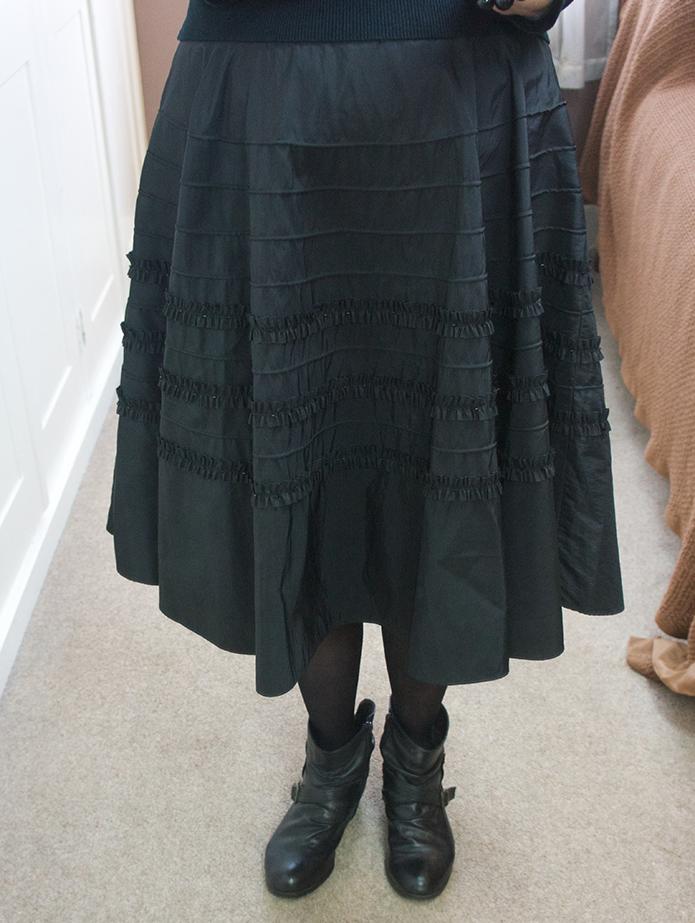 Black skirt 03
