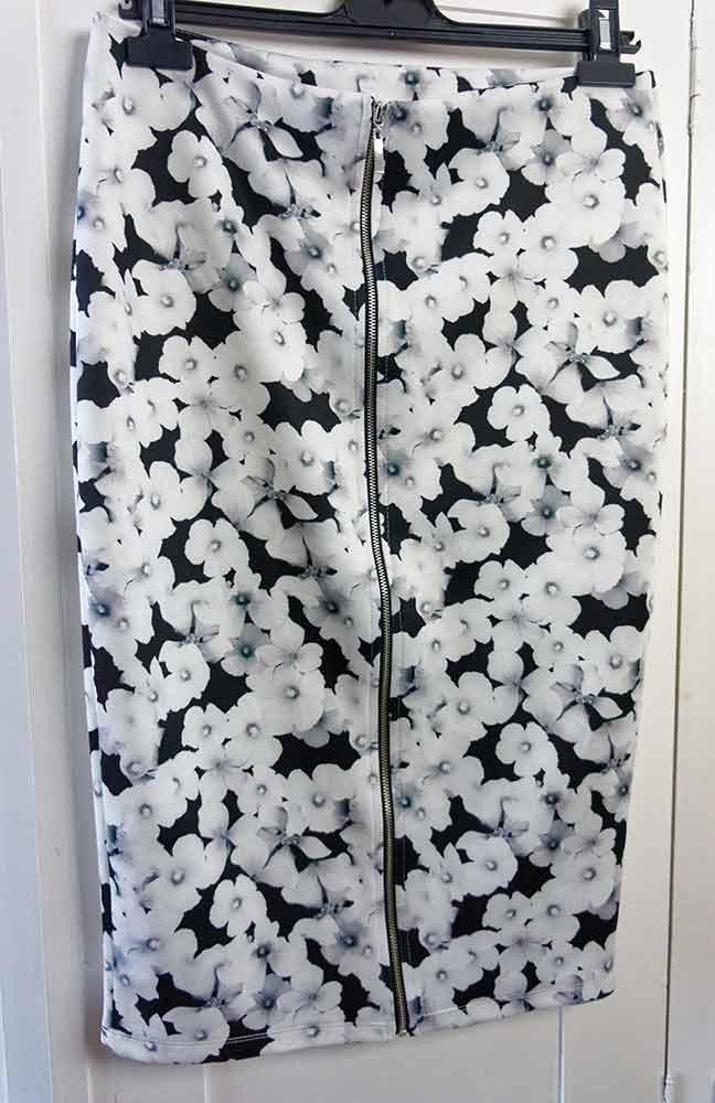 black-&-white-skirt-4-web