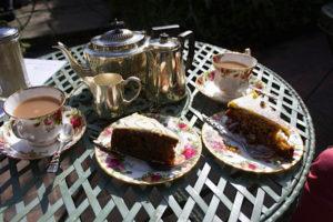 Tea-&-cake-in-Alfriston-web