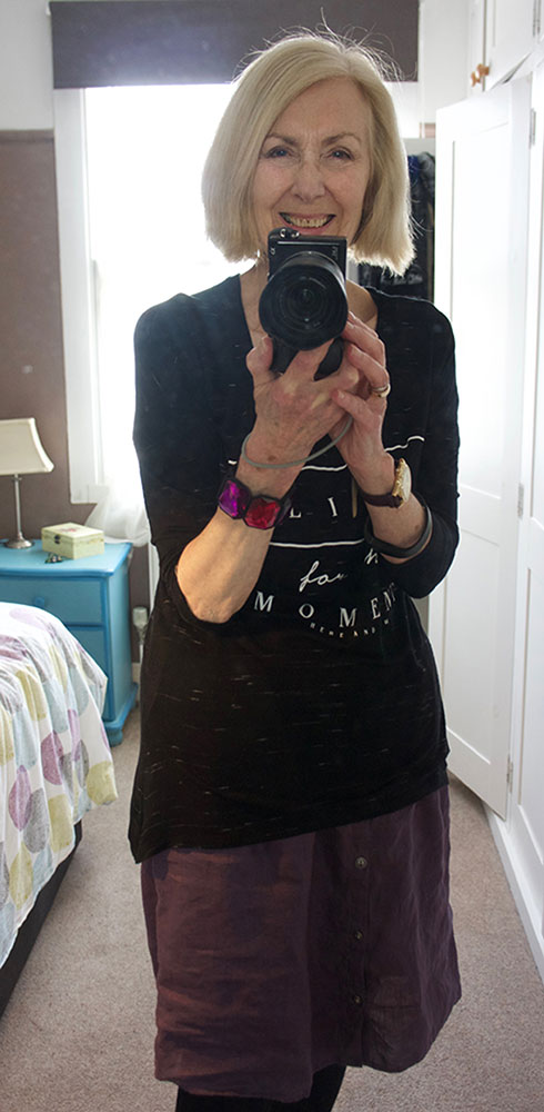black-t-shirt-web